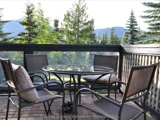 Cosy Two Bedroom Townhome Walk to ski lifts. - Whistler vacation rentals
