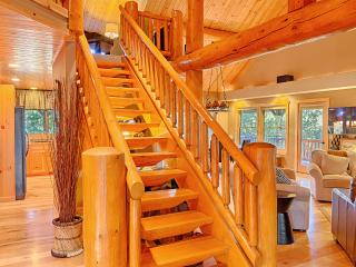 Gorgeous House with Deck and Balcony - Winthrop vacation rentals