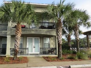 Miramar Villas 101, 4BR/4BA spacious townhouse! Steps to the Beach! - Destin vacation rentals
