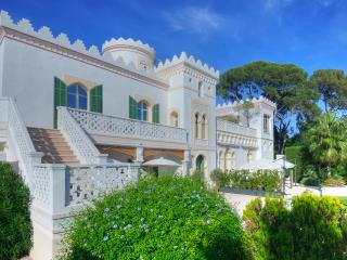 La Villa Mauresque, sea front property - Boulouris vacation rentals