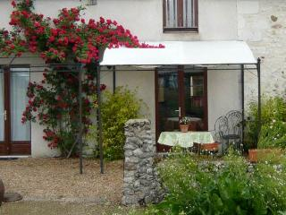 Sunny House with Internet Access and A/C - Parcay-les-Pins vacation rentals