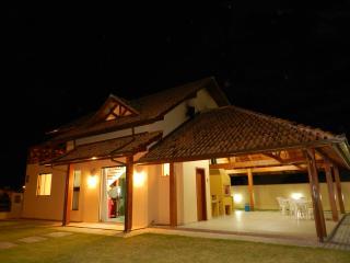 Casa de Praia com clima de casa de campo - Governador Celso Ramos vacation rentals
