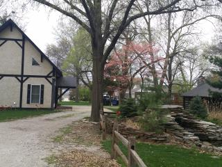 Countryside Chalet & Cabin Sleeps 10 - Saint Louis vacation rentals
