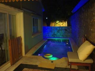 Private Pool Villa in Tranquil Estate Silk Road Pl - Jomtien Beach vacation rentals
