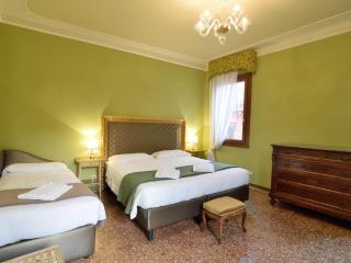 4 bedroom Apartment with Television in Venice - Venice vacation rentals