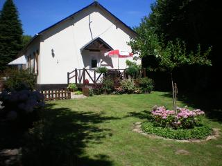 2 bedroom Gite with Internet Access in Huelgoat - Huelgoat vacation rentals