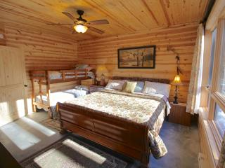 1 bedroom Private room with Internet Access in Green Mountain - Green Mountain vacation rentals