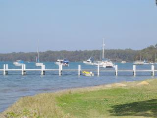The Holiday House on Lake Macquarie - Lake Macquarie vacation rentals