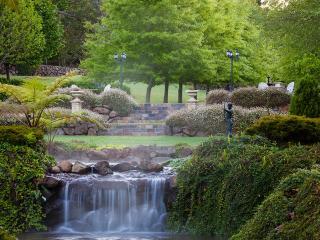 Glenloch Gatehouse - Luxury Cottage in the Mountains - North Tamborine vacation rentals
