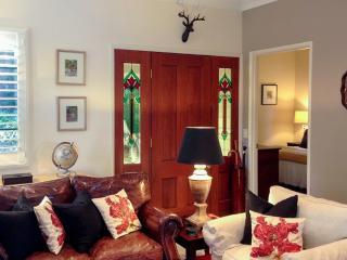 Glenloch Gatehouse - Luxury Cottage - North Tamborine vacation rentals