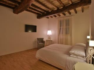 Suite apartment nel cuore di Modena - Modena vacation rentals