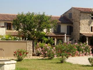 Beautiful 2 bedroom Cottage in Roaix with Satellite Or Cable TV - Roaix vacation rentals