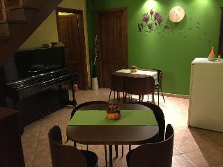 2 bedroom Bed and Breakfast with Housekeeping Included in Graffignano - Graffignano vacation rentals
