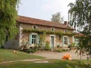 Bright 4 bedroom Persac House with Long Term Rentals Allowed (over 1 Month) - Persac vacation rentals