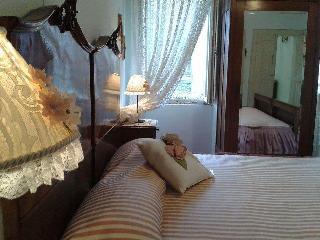 B & B Casa Carducci Camera Rosa e Bianca - Offida vacation rentals