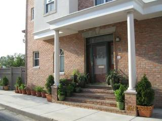 NEW! Philly Bed & Bagel, up to 3 Spacious Bds/2 Ba - Philadelphia vacation rentals