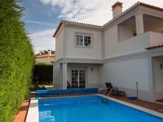 Villa with private pool at Praia d'el Rey - Caldas da Rainha vacation rentals