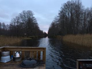 Bo på flotte i Strömsholms kanal - Ramnaes vacation rentals