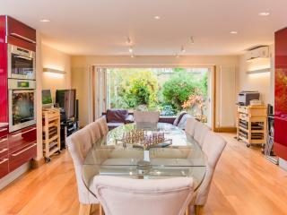 Luxury 5 Bed House - Views & Pool! - London vacation rentals