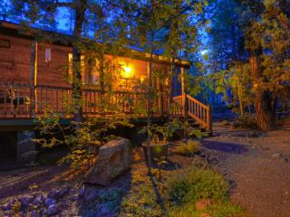 Relax. Step back to a simpler time in this beautiful Pinetop cabin in the Pines - Pinetop vacation rentals