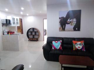 2 bedroom family apartment near the beach. - Pattaya vacation rentals