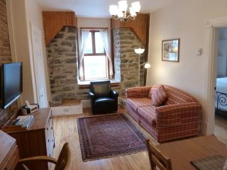 Greystone Suite (University Bed & Breakfast) - Montreal vacation rentals