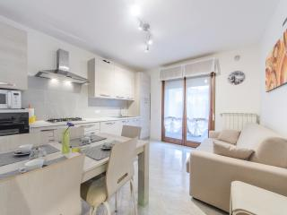 Cozy 2 bedroom Apartment in Caorle with A/C - Caorle vacation rentals