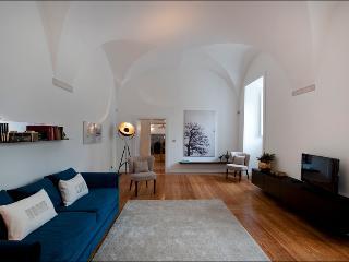 AWARD-WINNING 16th cent Historic Apart @downtown - Lisbon vacation rentals