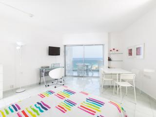 Beach apartment with balcony and sea view - Herzlia vacation rentals