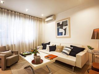 Elegant, luxury 1 bed apt, sleeps 2 - Athens vacation rentals