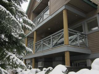 3 Bed, 2.5 Bath Townhome, Private HotTub, Sleeps 8 - Whistler vacation rentals