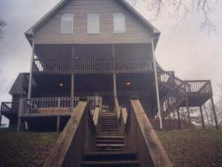Perfect House with Internet Access and Dishwasher - Crane Hill vacation rentals