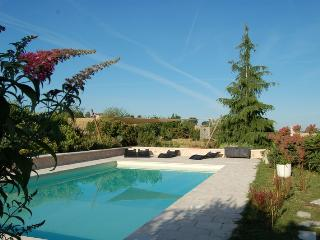 Romantic 1 bedroom Gite in Albi - Albi vacation rentals