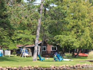 Cozy 3 Bedroom Cabin on Lake Thompson - Rhinelander vacation rentals