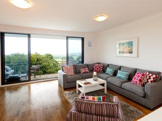 Close to Beach and CBD with Views - Sydney vacation rentals