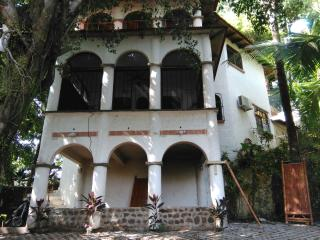 Nice House with Television and Microwave - Quepos vacation rentals