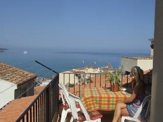 CASA DAFNE only 30mt from the sea - Cefalu vacation rentals