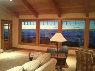 Beautiful 3 bedroom House in Gold Beach with Internet Access - Gold Beach vacation rentals