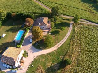 Gezellige 5-pers. gîte + zwembad, jacuzzi & sauna - Castelnau-Montratier vacation rentals