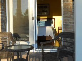 Wenzler's Landing B&B - upscale relaxation - Wheatley vacation rentals