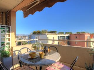 Stylish 2 bed with View of the Port - Antibes vacation rentals