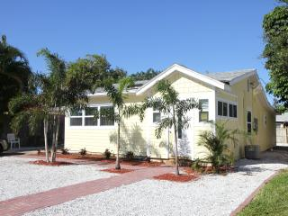 Sunnyside Cottage St Pete Beach, Florida - Saint Pete Beach vacation rentals