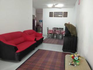 De Palma Homestay (for Muslim) - Kampong Masjid Tanah vacation rentals