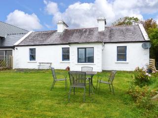 HARE COTTAGE, woodburning stove, pet-friendly, lawned garden, Newport, Ref 927250 - Burren vacation rentals