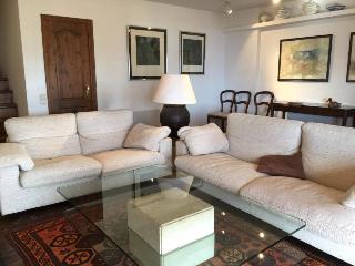 Comfortable 3 bedroom Puigcerda House with Television - Puigcerda vacation rentals
