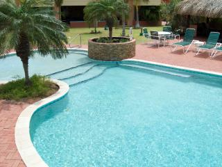 New Deluxe Eagle Beach Townhouse - Palm/Eagle Beach vacation rentals