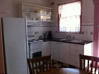 Perfect House with A/C and Satellite Or Cable TV - Tamworth vacation rentals