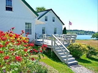 Comfortable 4 bedroom Seal Cove House with DVD Player - Seal Cove vacation rentals