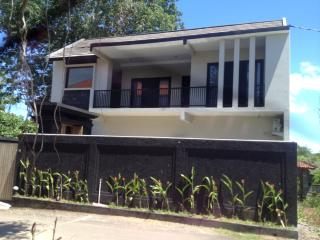 Nice Villa with A/C and Shared Outdoor Pool - Jimbaran vacation rentals