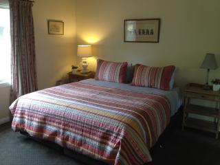 1 bedroom Bed and Breakfast with Television in Dixons Creek - Dixons Creek vacation rentals
